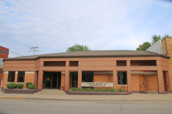 picture of reeseville state bank in reeseville